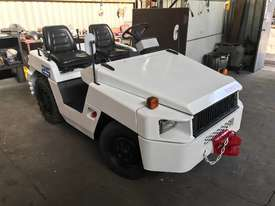 Toyota TD25 Towing Tractor - picture1' - Click to enlarge