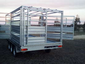 Trailer and Stock Crate - picture1' - Click to enlarge