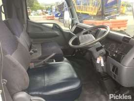2007 Mitsubishi Canter FE84 - picture9' - Click to enlarge