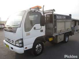2007 Isuzu NPR 200 Short - picture3' - Click to enlarge