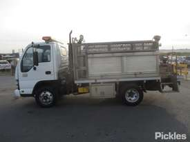 2007 Isuzu NPR 200 Short - picture4' - Click to enlarge