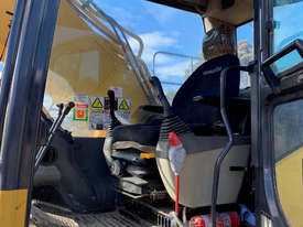 Komatsu PC350LC-8 Tracked-Excav Excavator - picture8' - Click to enlarge