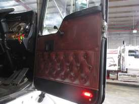 KENWORTH T401 PRIME MOVER - picture3' - Click to enlarge