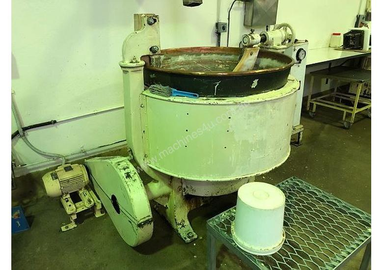 Copper Mixing Pan and Boiler