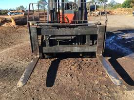 Nissan 5 Ton Forklift - picture0' - Click to enlarge