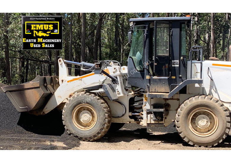 2016 Champion Wheel Loader, only 800hrs.  MS574