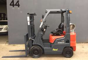 Nissan PLO1A18U 1.8 Ton Container Mast Counterbalance Forklift