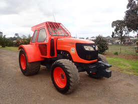 Kubota M108 FWA/4WD Tractor - picture0' - Click to enlarge