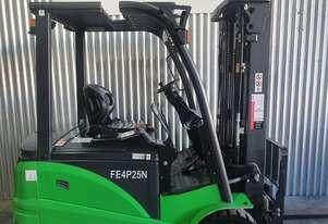 Noblelift 4 Wheel Lithium-Ion Electric Counterbalance Forklift - N Series