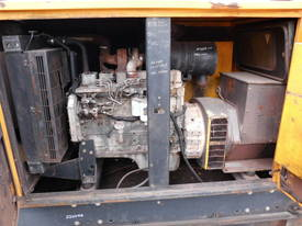 100kva SDMO, cummins / stamford , silenced , - picture2' - Click to enlarge