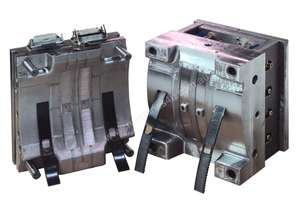 MOULDS FOR INJECTION/BLOW MOULDING