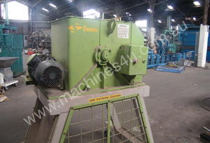 Green copper cable cutter