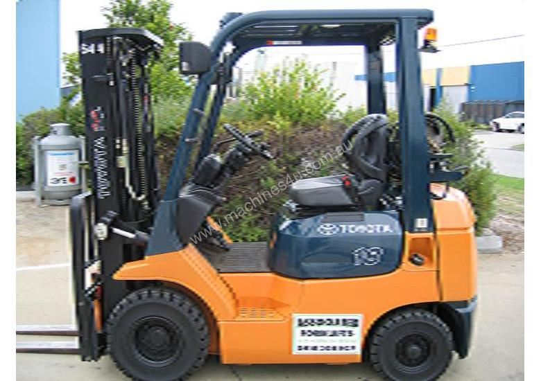 TOYOTA 42-7FG18  LPG forklift with **LOW Hours**