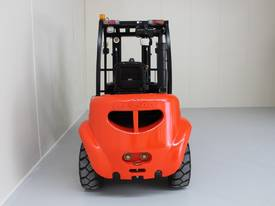 New 3000kg Forklift WECAN Diesel Delivery AU Wide - picture3' - Click to enlarge