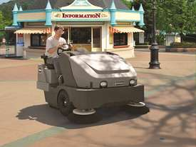 Nilfisk SW8000 Ride on Sweeper LPG & Diesel - picture2' - Click to enlarge