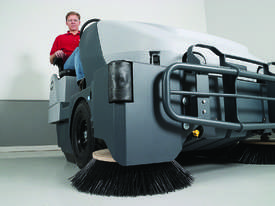 Nilfisk SW8000 Ride on Sweeper LPG & Diesel - picture3' - Click to enlarge