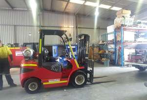 2.5 Tonne LPG Forklifts available
