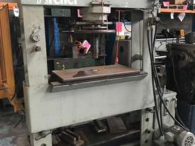 Archer Garage Hydraulic Press Workshop 100 Ton - picture0' - Click to enlarge