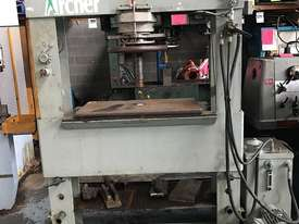 Archer Garage Hydraulic Press Workshop 100 Ton - picture1' - Click to enlarge