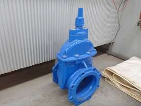 AVK 200MM GATE/WEDGE  VALVE  - picture2' - Click to enlarge