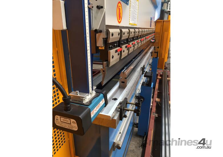 3200mm x 90Ton ibend CNC & Laser Guards