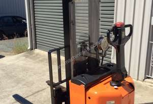 Bt Toyota WALK BEHIND ELECTRIC FORKLIFT