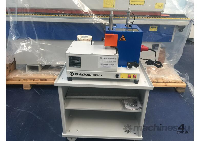 Courner rounding unit for edgebanders