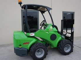 Avant 528 Mini Loader for Beekeepers - picture6' - Click to enlarge