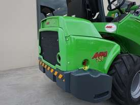 Avant 528 Mini Loader for Beekeepers - picture8' - Click to enlarge