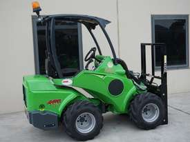 Avant 528 Mini Loader for Beekeepers - picture12' - Click to enlarge