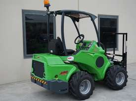 Avant 528 Mini Loader for Beekeepers - picture13' - Click to enlarge