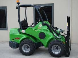 Avant 528 Mini Loader for Beekeepers - picture15' - Click to enlarge
