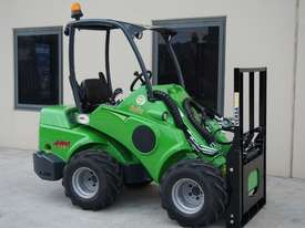 Avant 528 Mini Loader for Beekeepers - picture16' - Click to enlarge