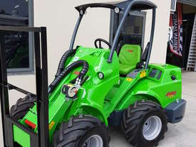 Avant 528 Mini Loader for Beekeepers - picture19' - Click to enlarge