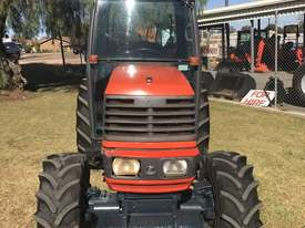 Kubota M8200 FWA/4WD Tractor - picture1' - Click to enlarge