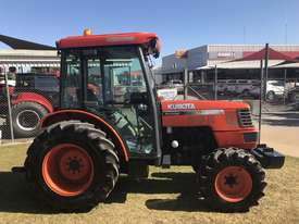 Kubota M8200 FWA/4WD Tractor - picture2' - Click to enlarge
