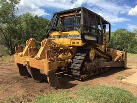 2002 CAT D8R Dozer series 2 with Attachments - picture1' - Click to enlarge