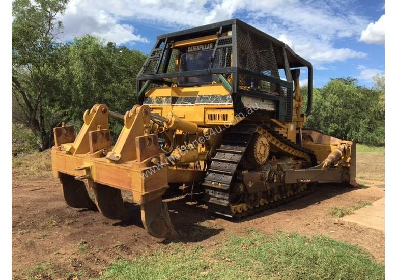 2002 CAT D8R Dozer series 2 with Attachments