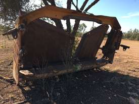 2002 CAT D8R Dozer series 2 with Attachments - picture12' - Click to enlarge