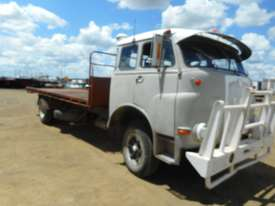 MAN 7215 FCS Tray Truck - picture0' - Click to enlarge