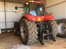 Case IH Magnum 215 FWA/4WD Tractor - picture0' - Click to enlarge