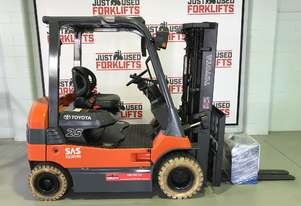 2011 ELECTRIC  TOYOTA 8FB25 4 WHEEL COUNTER BALANCED FORKLIFT CONTAINER ENTRY