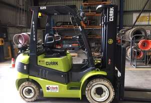 Great Condition Container Access 3.0t LPG CLARK Forklift