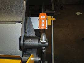 1250mm x 2mm Australian made hydraulic panbrake - picture10' - Click to enlarge
