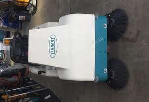 TENNANT 6100 SWEEPER 145 hours