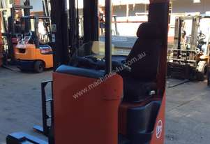 BT ELECTRIC REACH TRUCK FITTED W/T NEW BATTERY