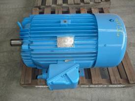 TOSHIBA 75HP 3 PHASE ELECTRIC MOTOR/ 1420RPM - picture1' - Click to enlarge