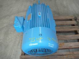 TOSHIBA 75HP 3 PHASE ELECTRIC MOTOR/ 1420RPM - picture2' - Click to enlarge