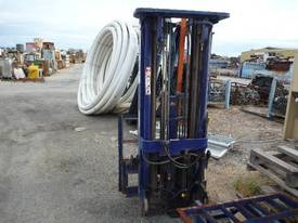 KOMATSU FORKLIFT TRIPLE STAGE CONTAINER MAST - picture2' - Click to enlarge