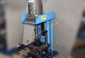 PNEUMATIC AIR PRESS BENCH 1.5 TONNE